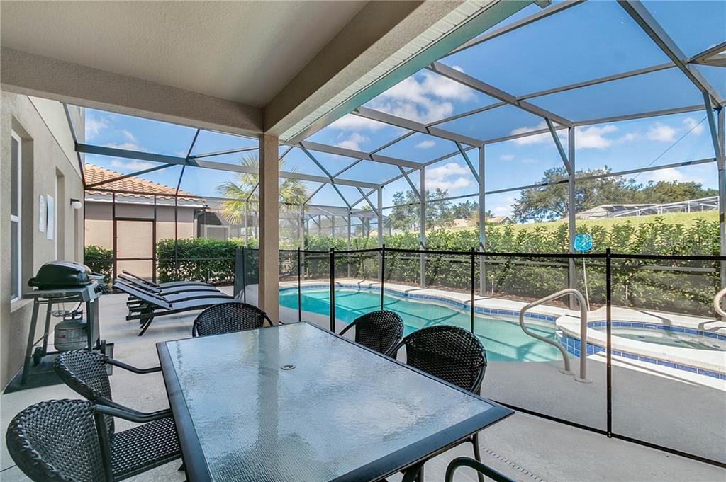Slide show image of the Orlando Florida Home for Sale 09