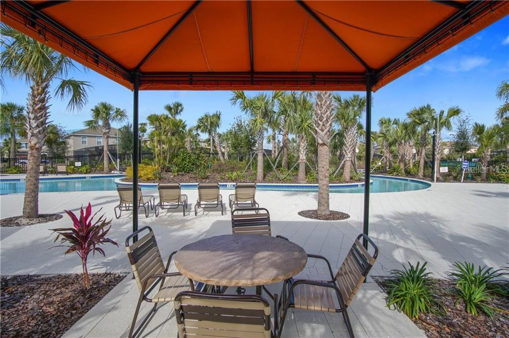 Slide show image of the Orlando Florida Home for Sale 42