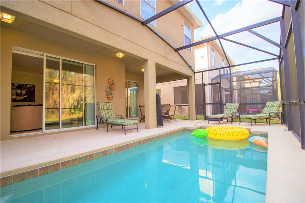 Slide show image of the Orlando Florida Home for Sale 31